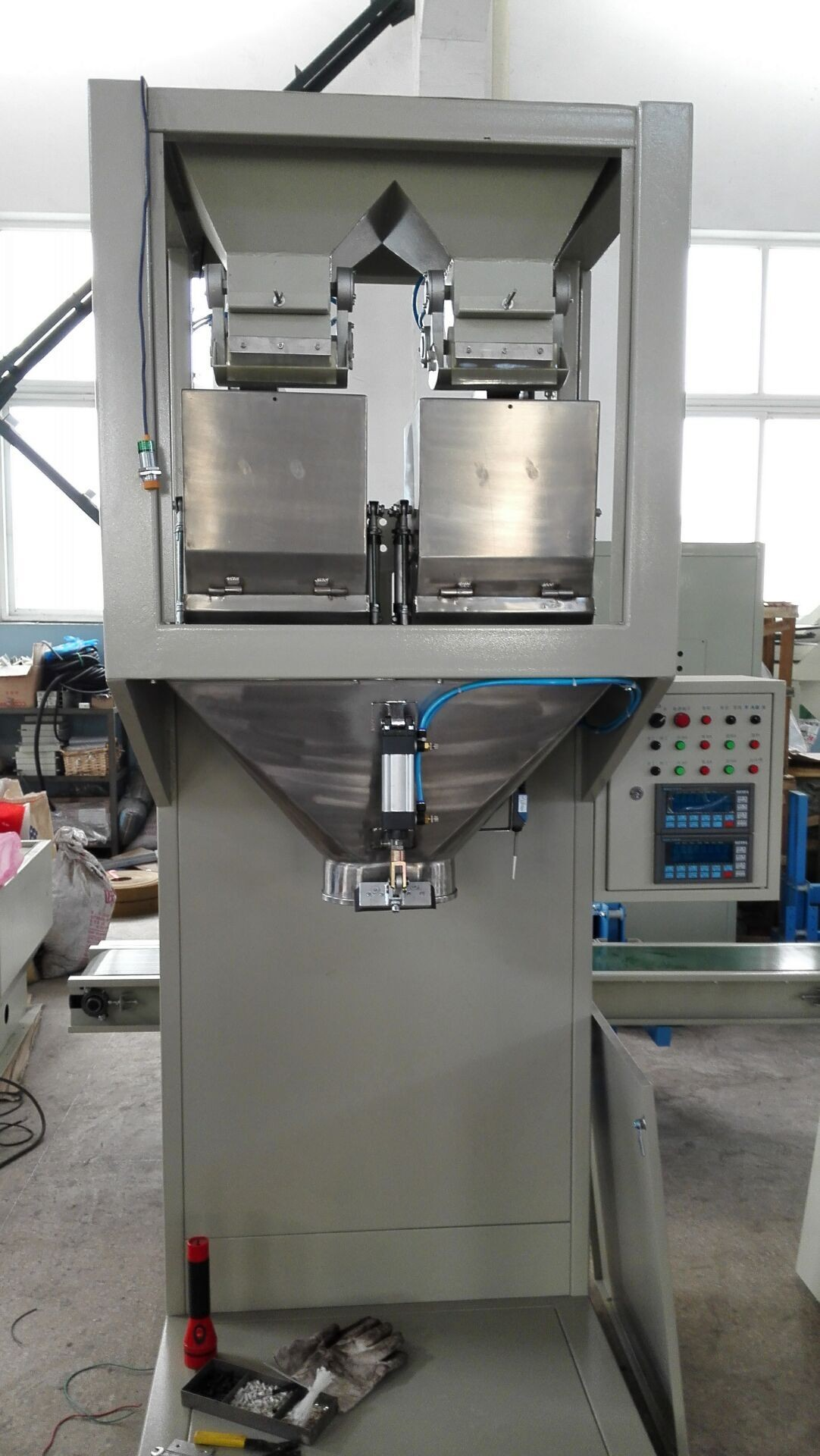 Semi Automatic Granule Packing Machine Seed Bagging Equipment 220V - 380V